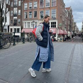 Siete chalecos de H&M con los que sumarnos de forma fácil a la tendencia del acolchado y del efecto guateado