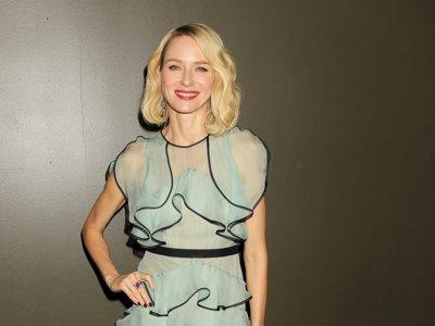 Los volantes de Naomi Watts la colocan en la lista de las más elegantes