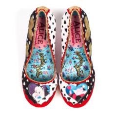 Foto 34 de 88 de la galería zapatos-alicia-en-el-pais-de-las-maravillas en Trendencias