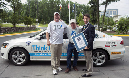 El Volkswagen Passat TDI Clean Diesel bate el récord Guinness de bajo consumo