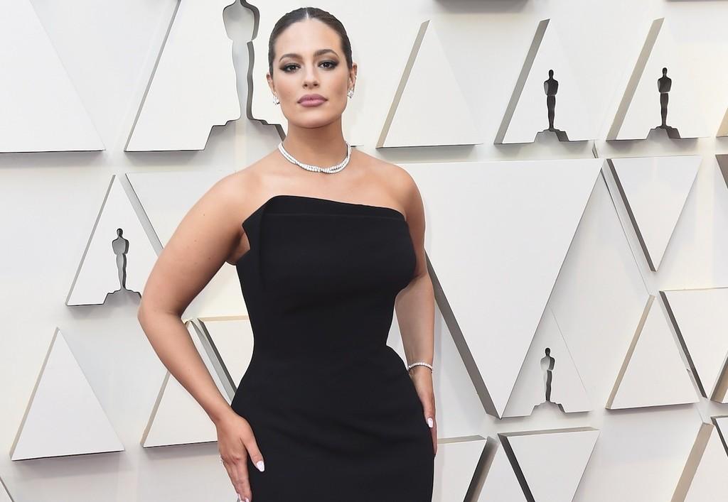 Premios Oscar 2019: Ashley Graham tiene el look beauty mas sofisticado de la noche