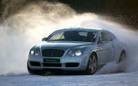 Bentley Power on Ice, derrapando sobre hielo