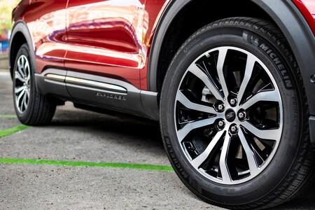 Medidas, índices y códigos: todo lo que hay que revisar en los neumáticos al comprar un coche usado