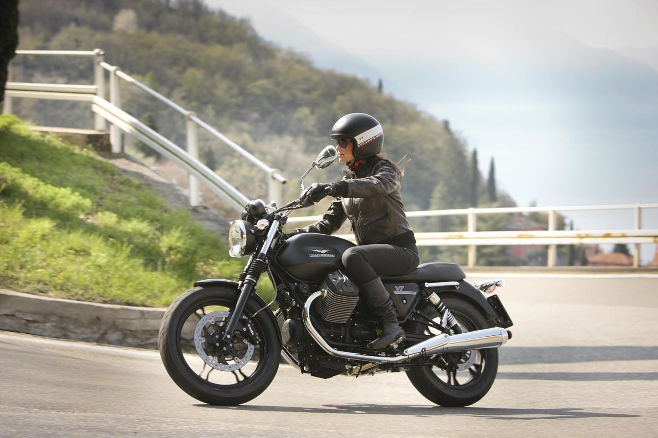 Foto de Moto Guzzi V7 Stone (56/57)