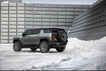 Hummer EV SUV 2024 3
