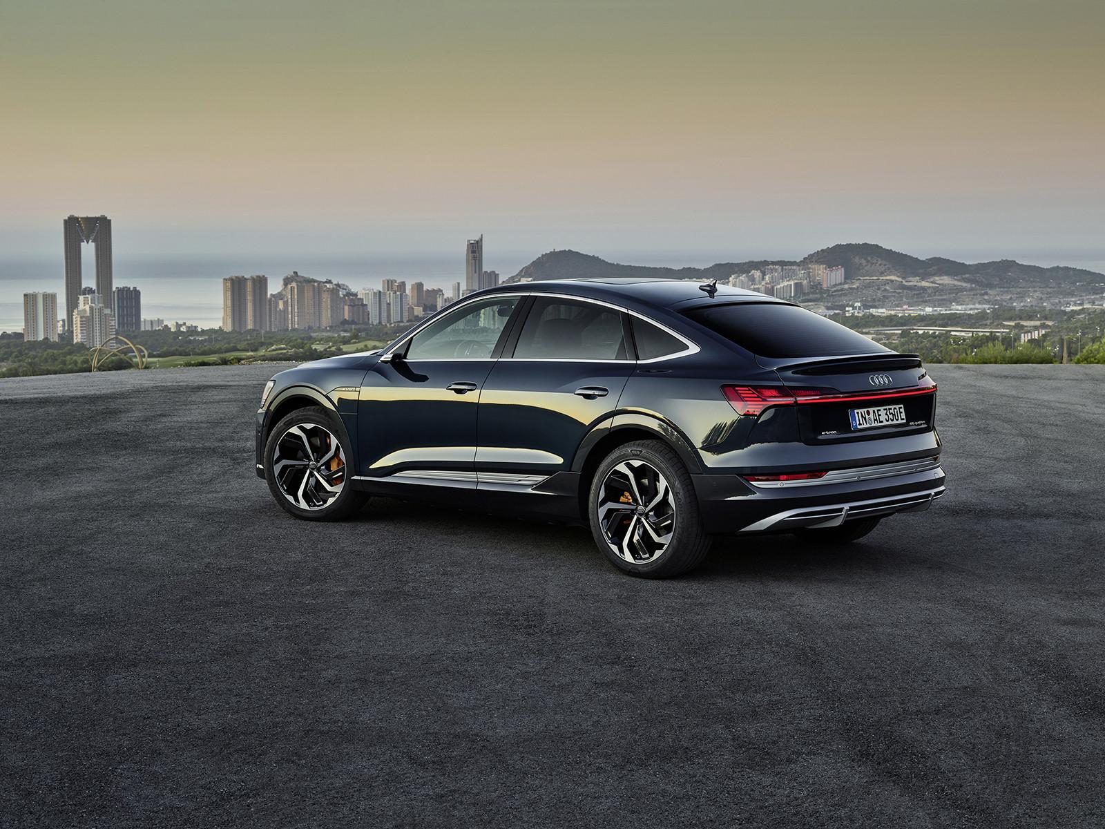 Foto de Audi e-tron Sportback (2/57)
