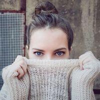 Atenta a la hora de desmaquillar los ojos: su salud y belleza está en juego