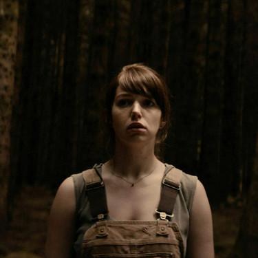 'Bosque maldito': elegante relato de horror y problemas domésticos en medio de un infierno forestal