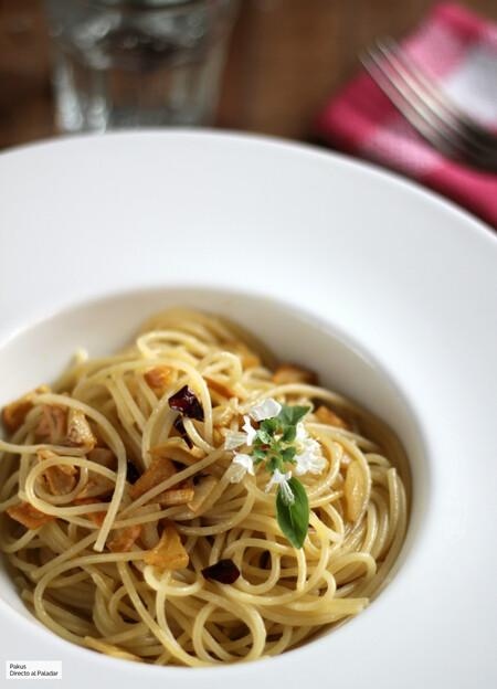 Espaguetis al ajillo, receta rápida de pasta