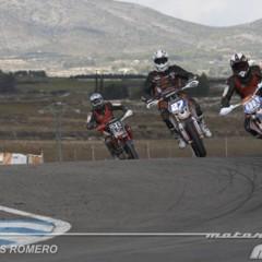 Foto 24 de 63 de la galería albaida-despide-el-campeonato-de-espana-de-supermotard-2011 en Motorpasion Moto