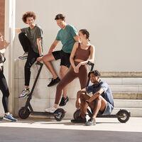 La DGT obligará a los conductores de patinetes y bicicletas eléctricas a llevar el casco y se les prohíbe el uso de las aceras