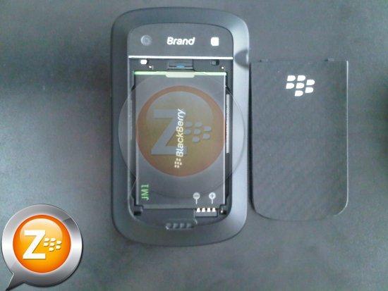 Foto de BlackBerry Bold Touch 9900 se muestra en todo su esplendor en imágenes (6/8)