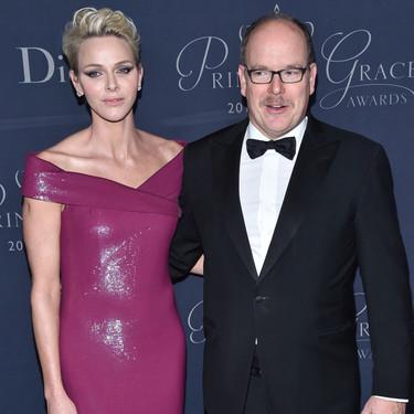El maquillaje le juega una mala pasada a Charlene de Mónaco y pierde glamour por el camino