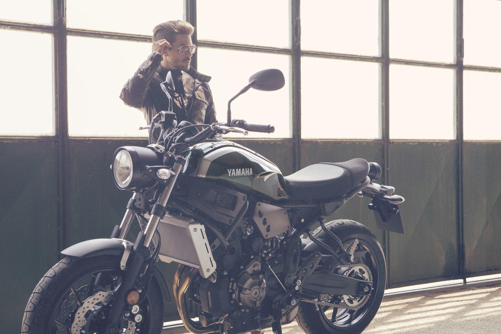 Foto de Yamaha XSR700 en acción y detalles (21/41)