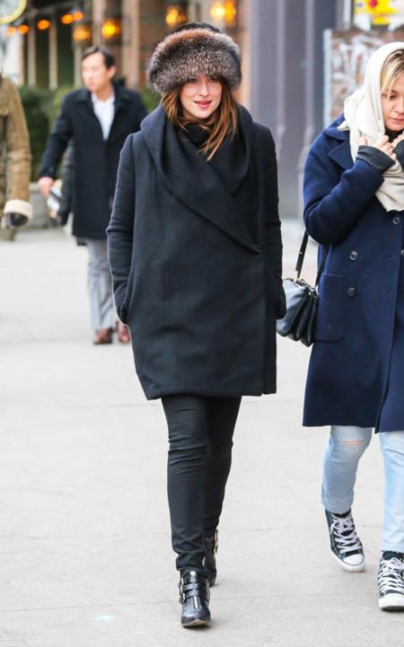 Dakota Johnson Piel Look Street Style
