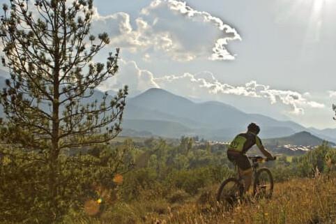 Rutas ciclistas por Cataluña para amantes de la naturaleza y el deporte