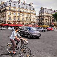 París está abandonando el coche: a día de hoy sólo uno de cada tres hogares tiene uno