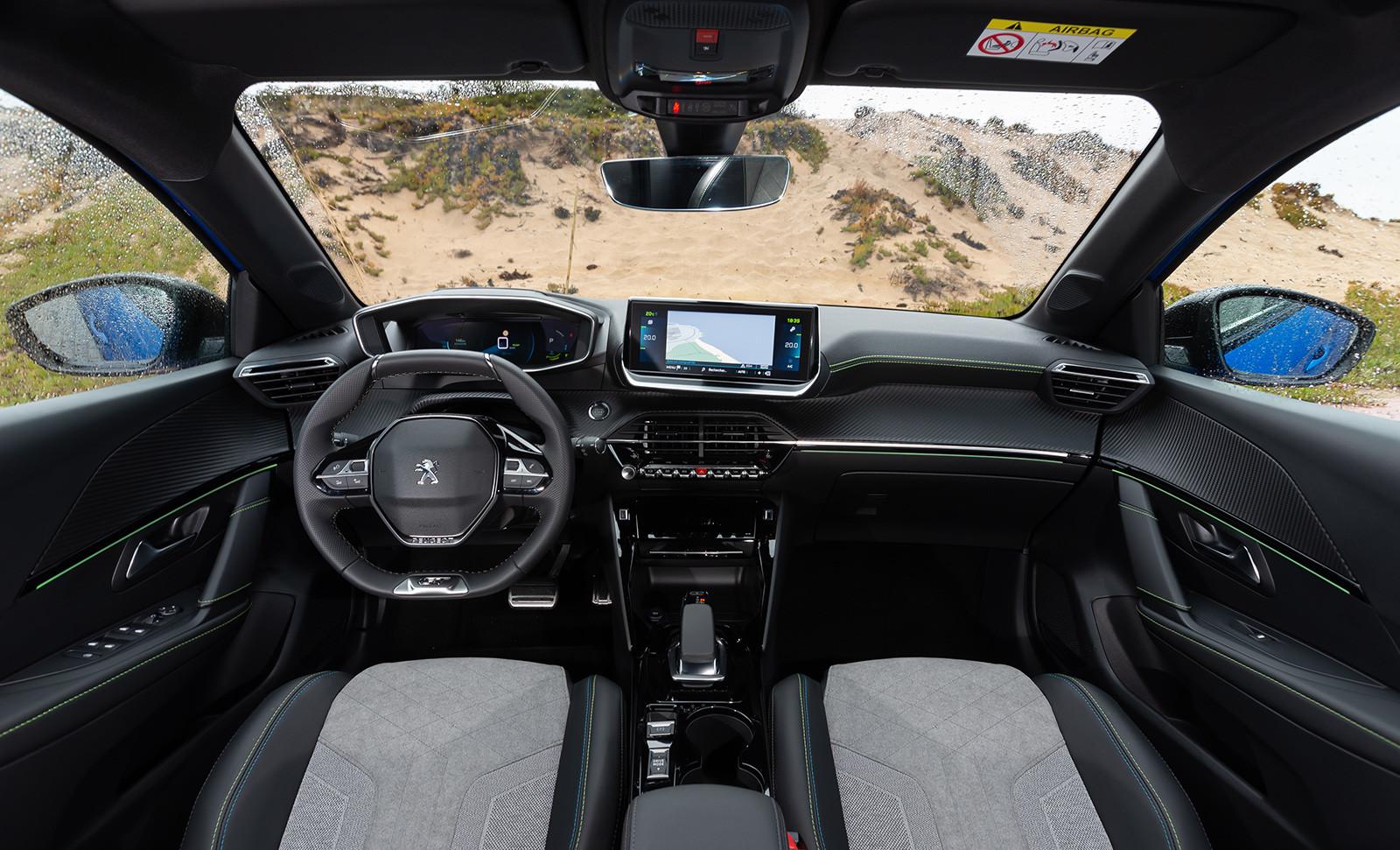 Foto de Peugeot e-208 2020 (21/24)