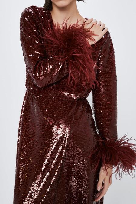 Zara tiene los 15 looks de lentejuelas más bonitos para lucir esta Navidad