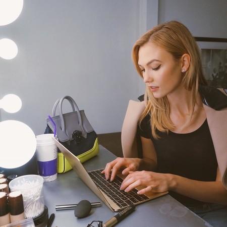 Instagram ya permite programar publicaciones y subir contenido desde el ordenador (aunque, de momento, solo a cuentas de empresa y creadores)
