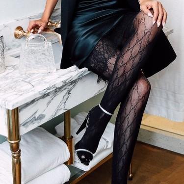 Las nueve sandalias que mejor quedarán con medias negras para no pasar ni una pizca de frío en Nochevieja
