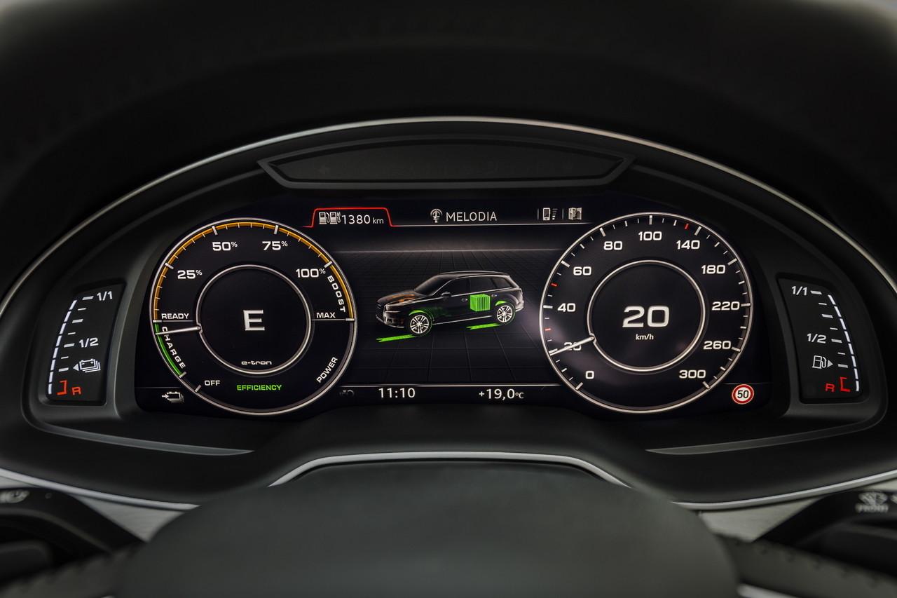 Audi Q7 E Tron 59 64