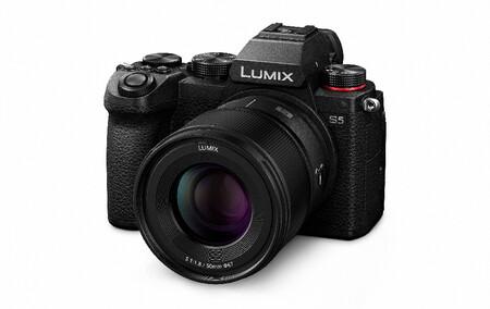 Lumix S S50 11