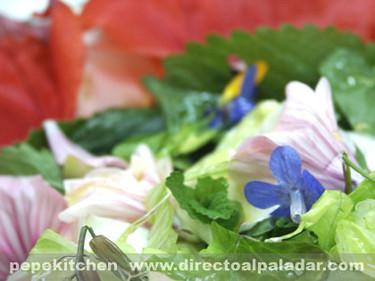 Ensalada de flores silvestres. Receta