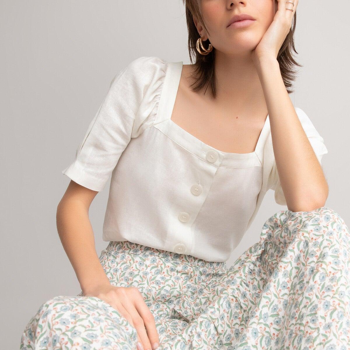 Blusa con escote cuadrado de manga corta