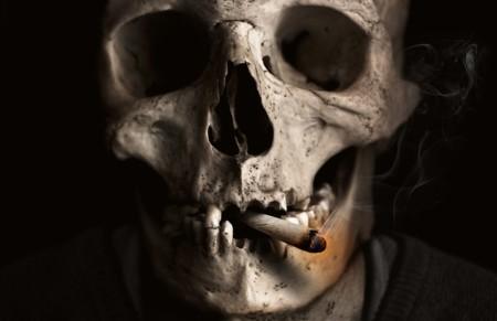 Los que fuman y beben, ¿deberían pagar más impuestos?