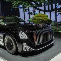El Hongqi L-Concept, sin volante y con lámpara de araña a bordo, es la visión de futuro de este fabricante chino de coches de lujo