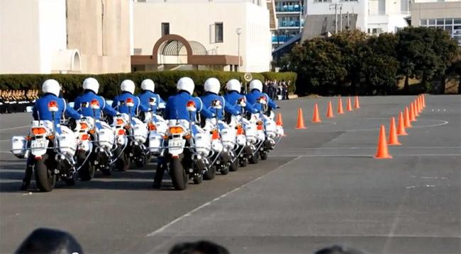 Policía japonesa de exhibición