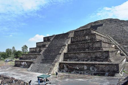Debajo de la Pirámide de la Luna en Teotihuacán han encontrado un sorprendente túnel que emulaba el inframundo