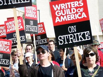 No habrá huelga de guionistas: la WGA y los estudios llegan a un acuerdo en el último minuto