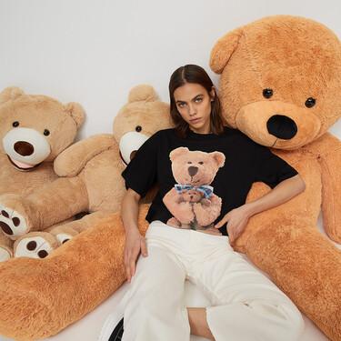 Stradivarius celebra San Valentín con esta colección de camisetas Teddy Bear