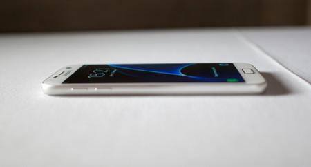 Puede que finalmente veamos un Samsung Galaxy S8 con pantalla plana, después de todo