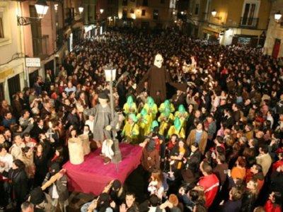 Irte de farra a una procesión de Semana Santa es posible
