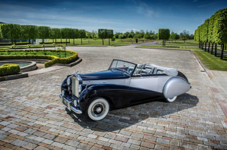 1952 Rolls Royce Silver Dawn Low 01