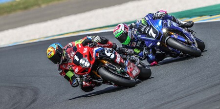 Suzuki gana las 24 Horas de Le Mans en moto con dos españoles, David Checa y Xavi Forés, en el podio