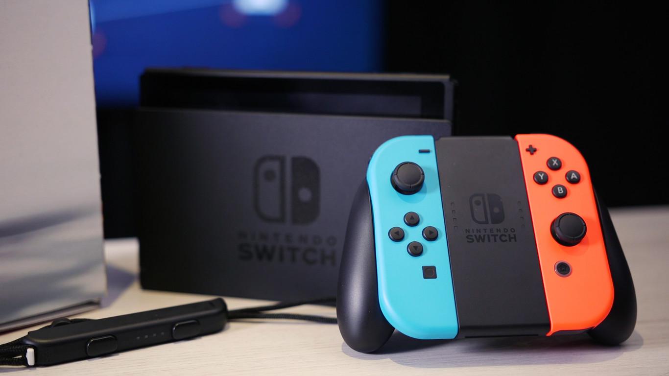 La revisión más barata y ligera de Nintendo Switch llegará en verano y habrá otra versión actualizada pero no...