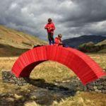 Este es el primer puente hecho solo de papel y está en el Reino Unido