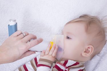 Los sistemas con mascarilla son los idóneos para la administración del tratamiento a los niños con problemas respiratorios