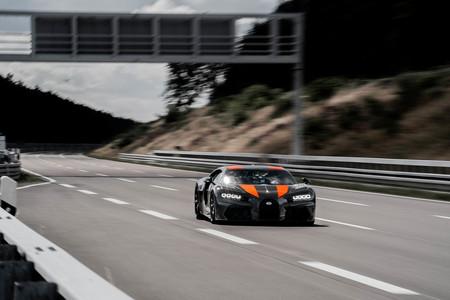 ¡490,484 km/h! Bugatti Chiron es el nuevo coche más rápido del mundo