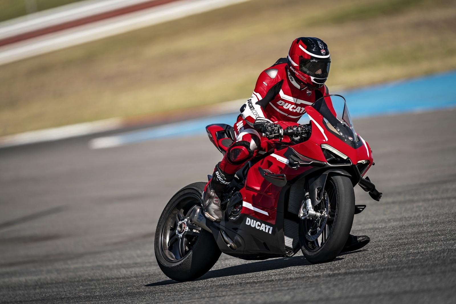 Foto de Ducati Panigale Superleggera V4 2020 (7/61)