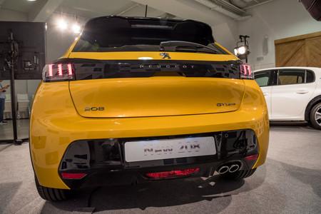 Peugeot 208 2019 trasera
