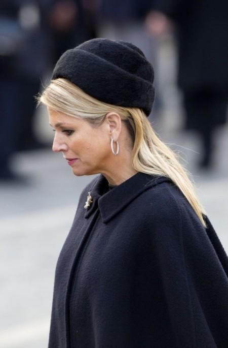 La Reina Máxima de Holanda está triste, pero lleva un look perfecto