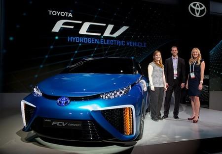 La producción del Toyota FCV comenzará en diciembre