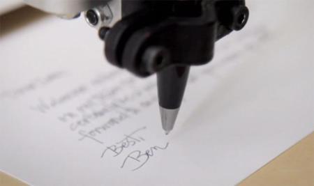 Dale una pluma estilográfica a Bond y escribirá cartas con tu letra