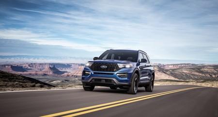 Ford Explorer completa la familia con la versión más potente y la versión más ahorrativa: ST e Hybrid