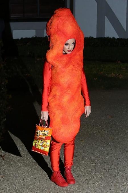 ¿Cómo se maquilla una para disfrazarse de Cheetos? Katy Perry así nos lo muestra